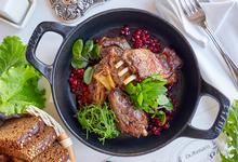 Стоит съесть: лаксу в Laksa & Co и мясо в «Доктор Живаго»