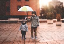Будь добр: как воспитать в ребенке привычку помогать