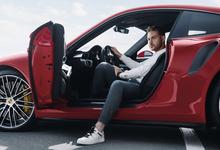Купились на голограмму: автопром присматривается к российской технологии