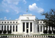 Господство доллара. Как стремление США поддержать свою экономику ударит по рублю