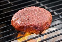 Запахло жареным. Как искусственное мясо стало популярным и доступным
