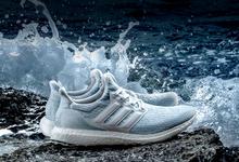 Кроссовки из мусора: как делают одежду и обувь из пластиковых отходов