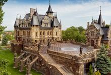 Готическая история: где в России можно жить в средневековых замках