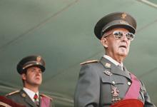 «Мы ждали этого 40 лет». Испания выносит тело диктатора Франко из мавзолея