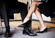 Служебный роман: как поддаться чувствам и сохранить работу