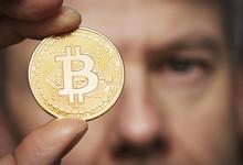 Остановите бабушку: чем хороша идея Минфина ограничить продажу криптовалюты