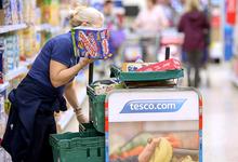«Женская» работа: дело о неравной оплате труда может обойтись Tesco в £4 млн