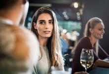 Зона с гендером или без: чем деловой этикет отличается от светского