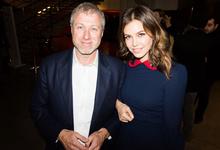 Миллиардер Роман Абрамович и Дарья Жукова объявили о расставании. Речи об официальном разводе пока не идет