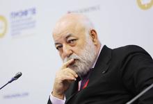 Миллиард из 90-х: Магомед Магомедов судится с Виктором Вексельбергом