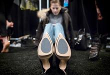 Глубокий след: «1С» упростит маркировку обуви для малого бизнеса