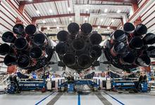 Миллиардер Илон Маск показал новую ракету SpaceX Falcon Heavy