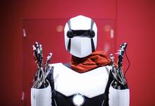 Живая сталь. Главная «киберженщина» США рассказала о будущем людей и машин