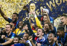 Мяч в кармане. Чемпионат мира принес России почти триллион рублей