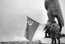 «Отеческие гробы». Почему россияне привязаны к своему прошлому