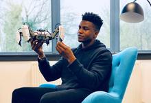 Железное сердце. Предприниматель из Нигерии создает эмоциональных роботов для Apple