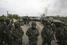 Солдаты Вооруженных сил Украины у отбитого у пророссийских активистов блокпоста, Славянск, 2 мая