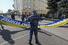 Полиция регулирует размещение баннеров в колонне