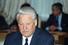 Борис Ельцин подписал указ о начале чековой приватизации в России