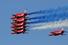 Знаменитая британская пилотажная группа Red Arrows открывала авиашоу, а также участвовала во всех так называемых public days, когда салон открыт для всех желающих