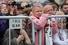 Аудитория митинга была привычной: молодежь и пожилые с белыми лентами, националисты, анархисты, ЛГБТ-активисты