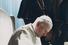 1983 год. Папа Иоанн Павел II подписывает новый римско-католический Кодекс канонического права в присутствии кардинала Йозефа Ратцингера