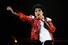 Майкл Джексон исполняет песню «Beat It», концертный тур Bad