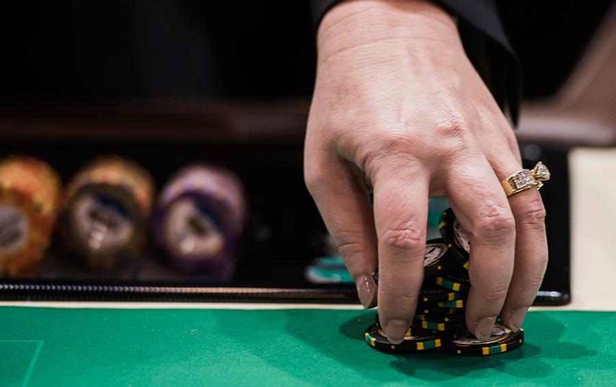 Жертвы азарта. Игра на деньги — это порок или развлечение