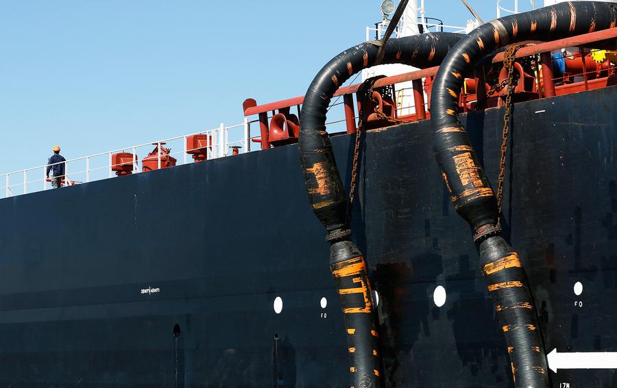 Нефть Brent торгуется выше 77 долларов забаррель