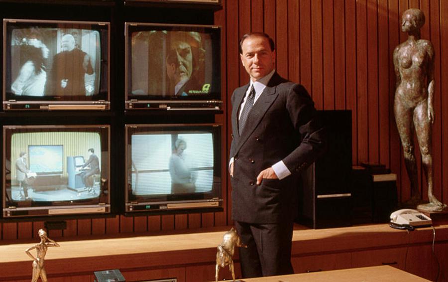 «Я, Берлускони». Как блестящий эгоист стал европейским медиамагнатом