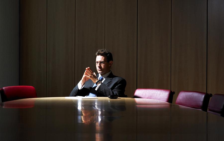 Сам не плошай. Чем рискуют владельцы бизнеса, возвращаясь к оперативному управлению