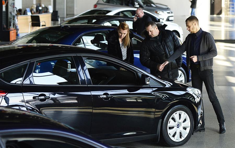 8ce19f6f8ab7 Продажи автомобилей в России снижаются четвертый год подряд   Бизнес ...