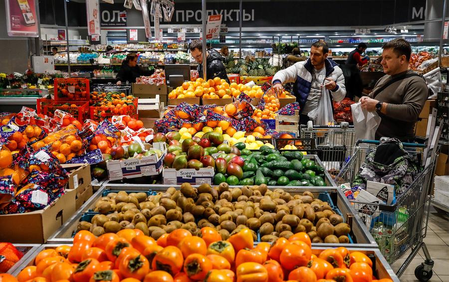 Поставщики продуктов просят новых ограничений для торговых сетей