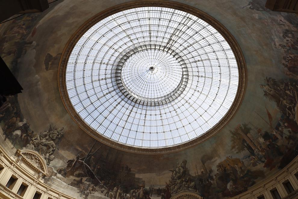 Стеклянный купол в здании Парижской биржи, будущего музея Collection Pinault-Paris