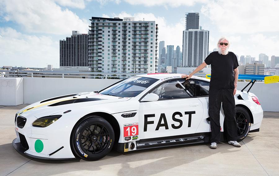 Американский художник Джон Бальдессари с 19-й BMW Art Car в МайамиФото: Chris Tedesco / BMW AG