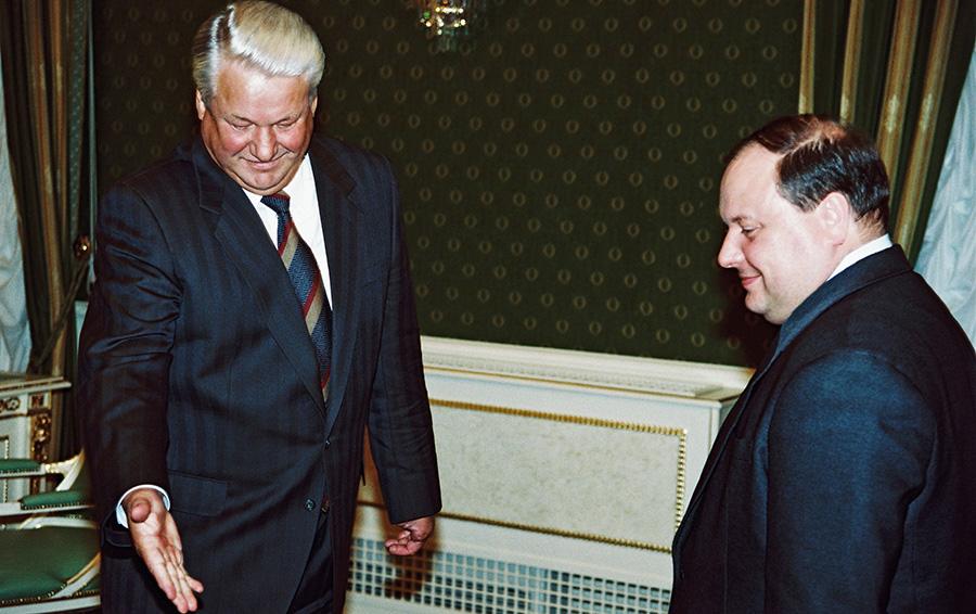 3 ноября 1994-го. Гайдар уже не в правительстве, он депутат Думы от «Выбора России», но у него по-прежнему хорошие отношения с Ельциным.