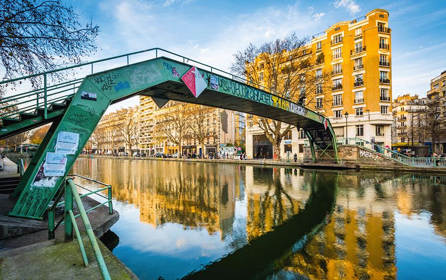 Ренн. Vide grenier du canal Saint-Martin, 3500 продавцов