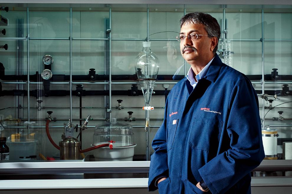 Виджай Сварап, директор исследовательского центр Exxon Mobil в Нью-Джерси.