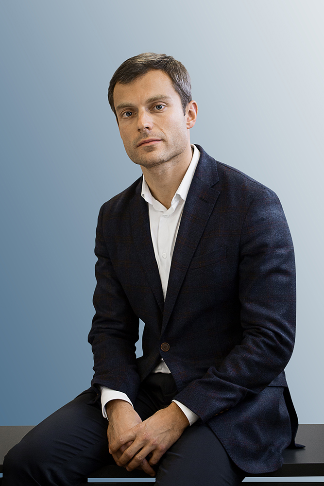 В фонде Solway Даниил Брон- штейн начал со сделок по слия- нию, а сейчас он курирует весь семейный бизнес.