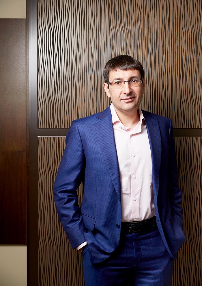 Председатель правления Совком- банка Дмитрий Гусев работает с Хотимскими уже 10 лет.