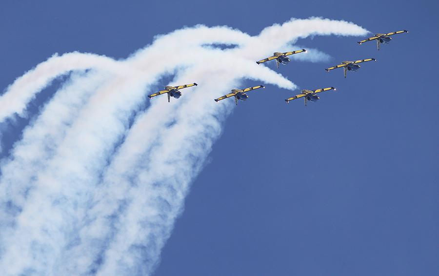 Выступление пилотажной группы «Русь» на самолетах Л-39.