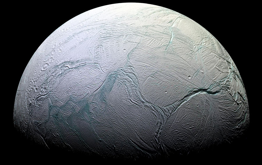 Энцелад — спутник Сатурна