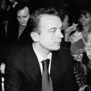 Одна из немногих известных фотографий Карманова