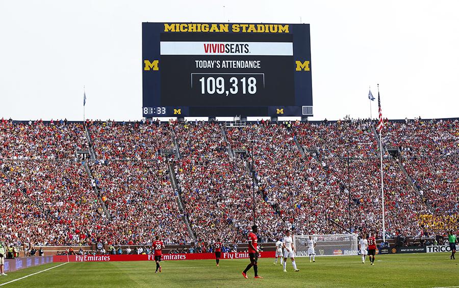 Такое «равнодушие» американцев к футболу поразило игроков «Манчестер Юнайтед» и «Реала» – летом 2014-го их матч в Мичигане собрал больше 109 000 зрителей