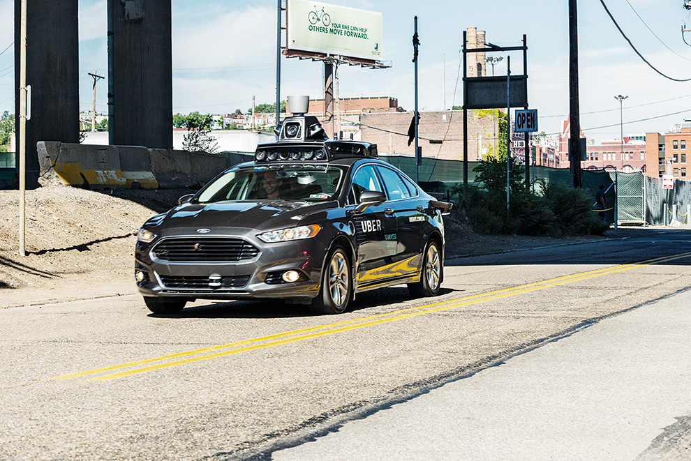 С сентября 2016 года в городе Питтсбурге часть перевозок Uber осуществляет на беспилотных такси. Водитель в них лишь для контроля