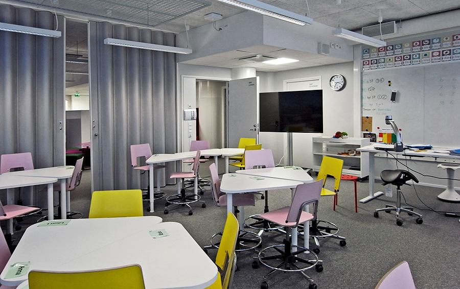 В школе нет коридоров — функцию классов и рекреаций выполняют одни и те же помещения