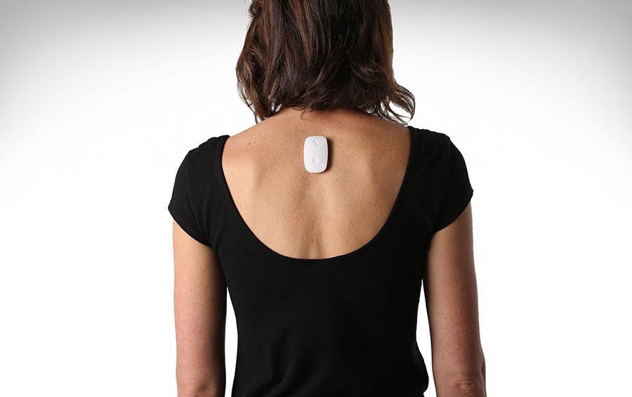 Upright Go — устройство, которое помогает выработать устойчивую привычку следить за собственной осанкой.