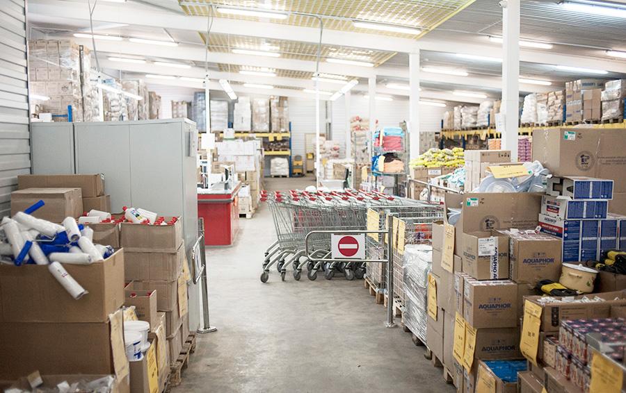 Минимальные требования к магазину «Светофор» — это площадь около 1000 кв.м, просто освещение, вентиляция и бетонный пол