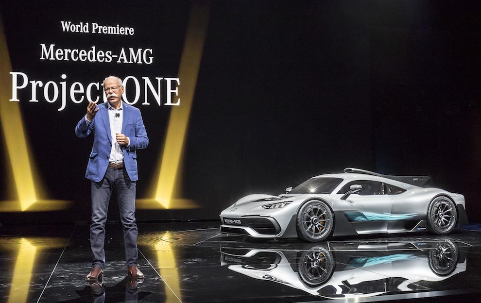 Глава Daimler AG Дитер Цетше презентует Mercedes-AMG Project ONE