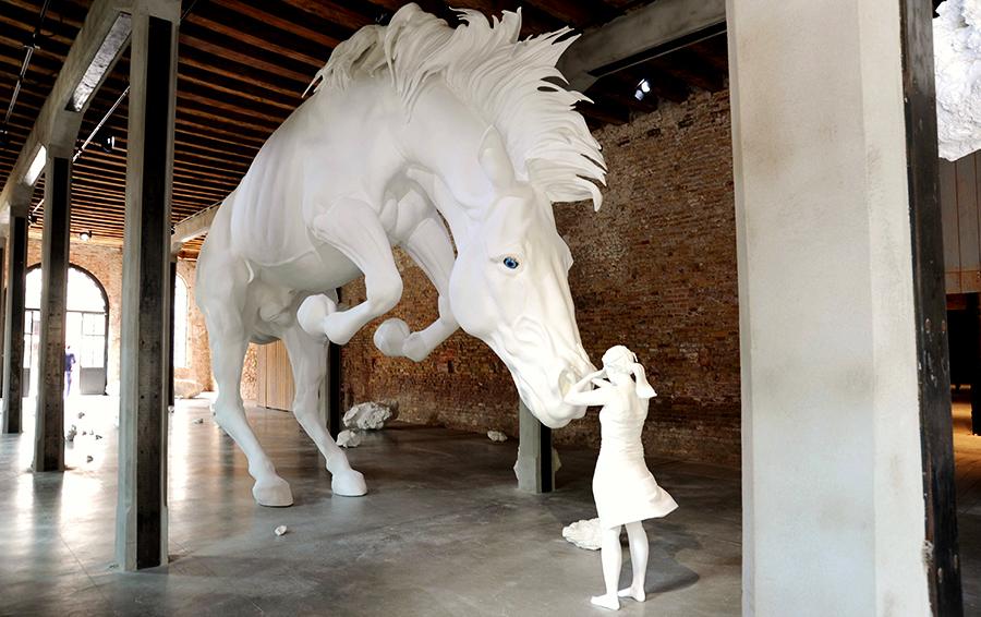«Надо было Путина сделать главным художником Русского павильона» — о биеннале в Венеции